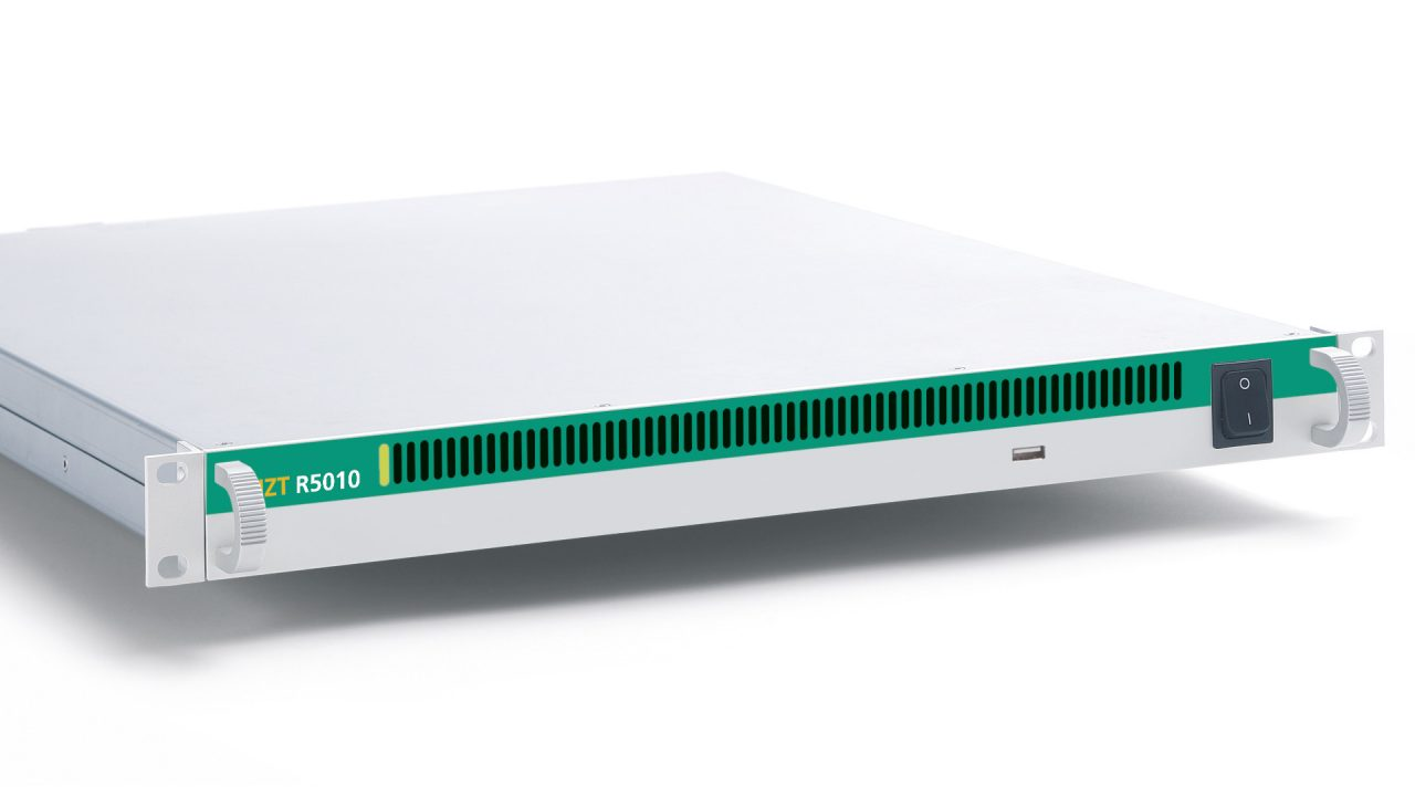 Wideband Receiver IZT R5010 side