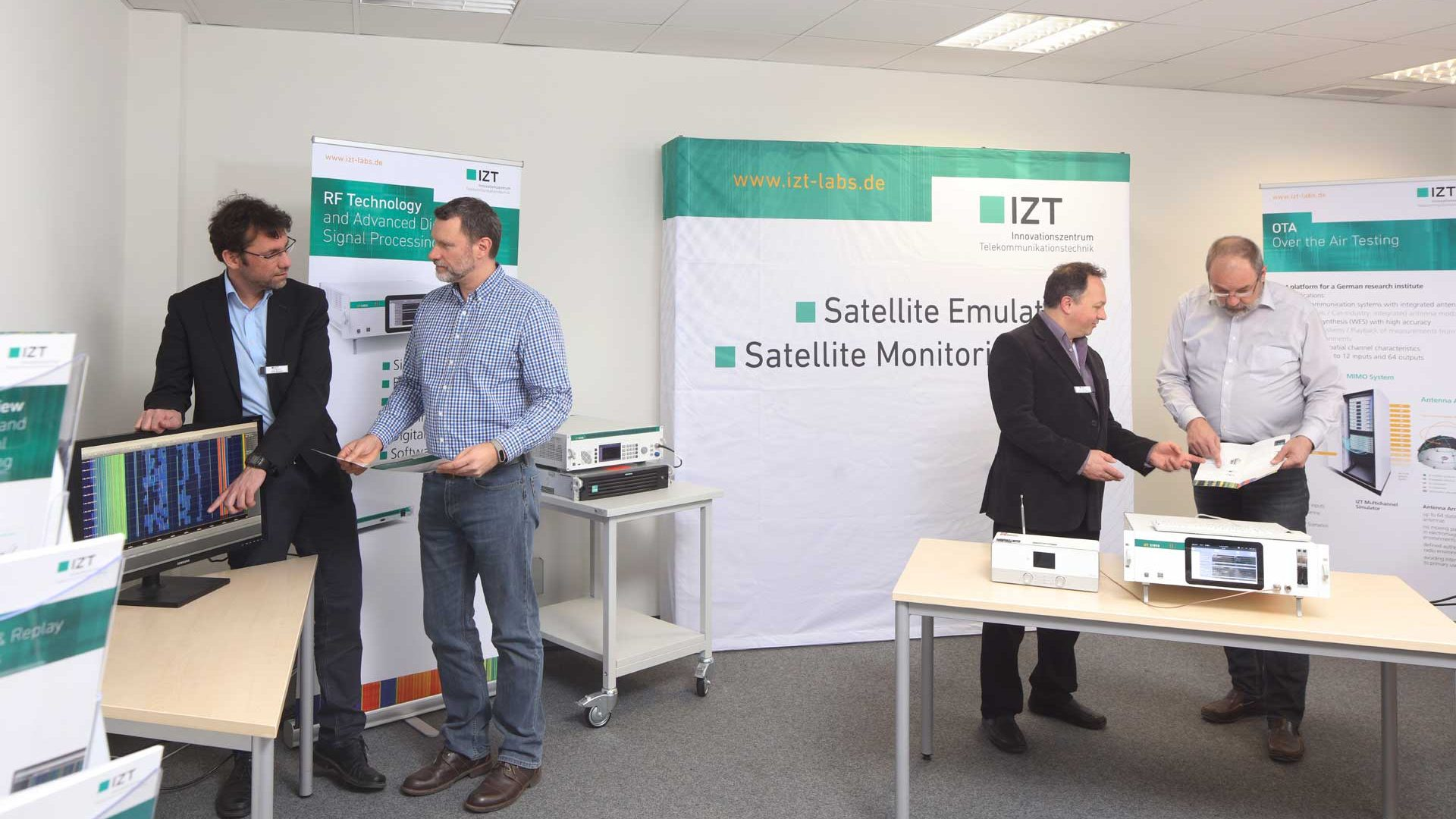 meet IZT at exebitions conferences and inhouse customer days